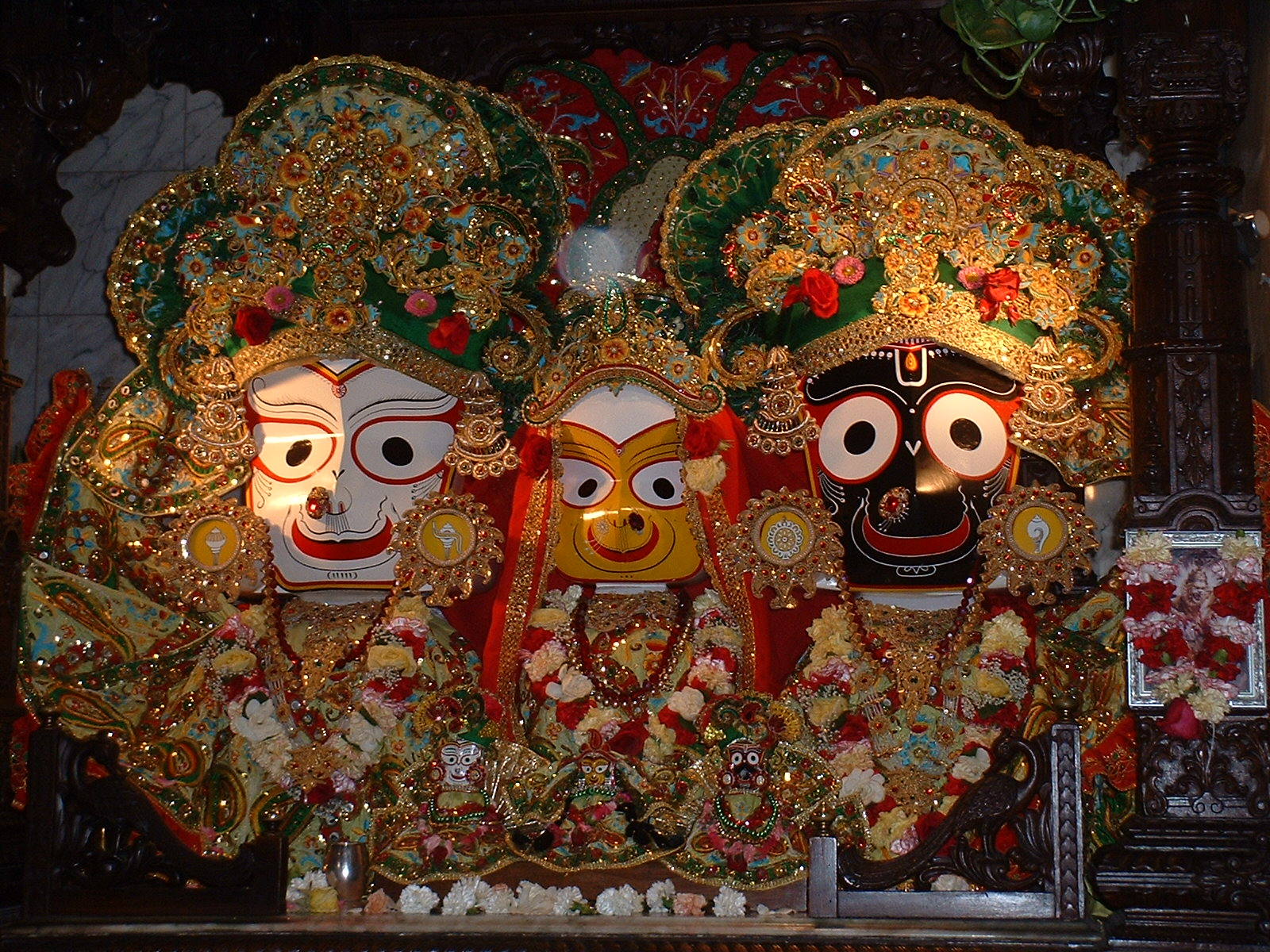 Lord Jagannath Is On The Right With His Sister Subhadra In The Middle And His